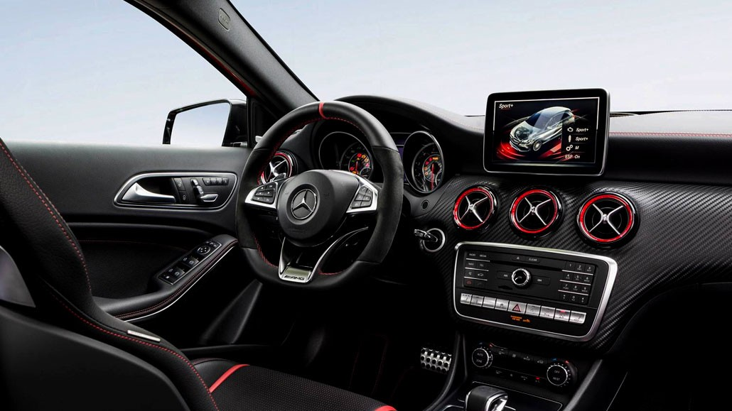 Volant Interieur Location Mercedes Classe A45 Amg - Gt'luxury