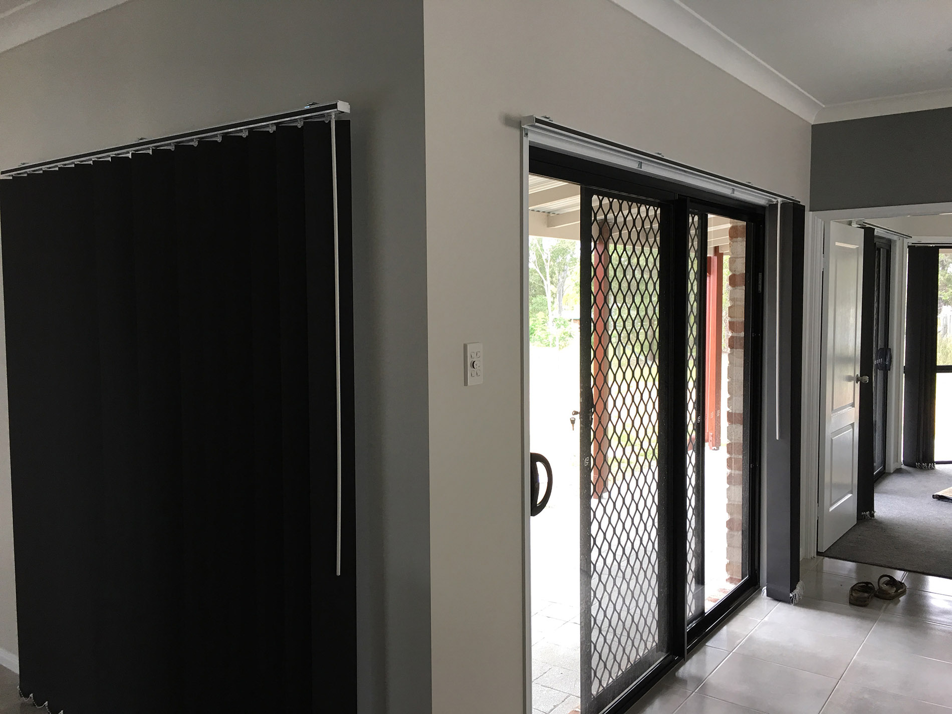 Blinds Toowoomba Gt Blinds Vertical Blind Installation Brisbane Logan