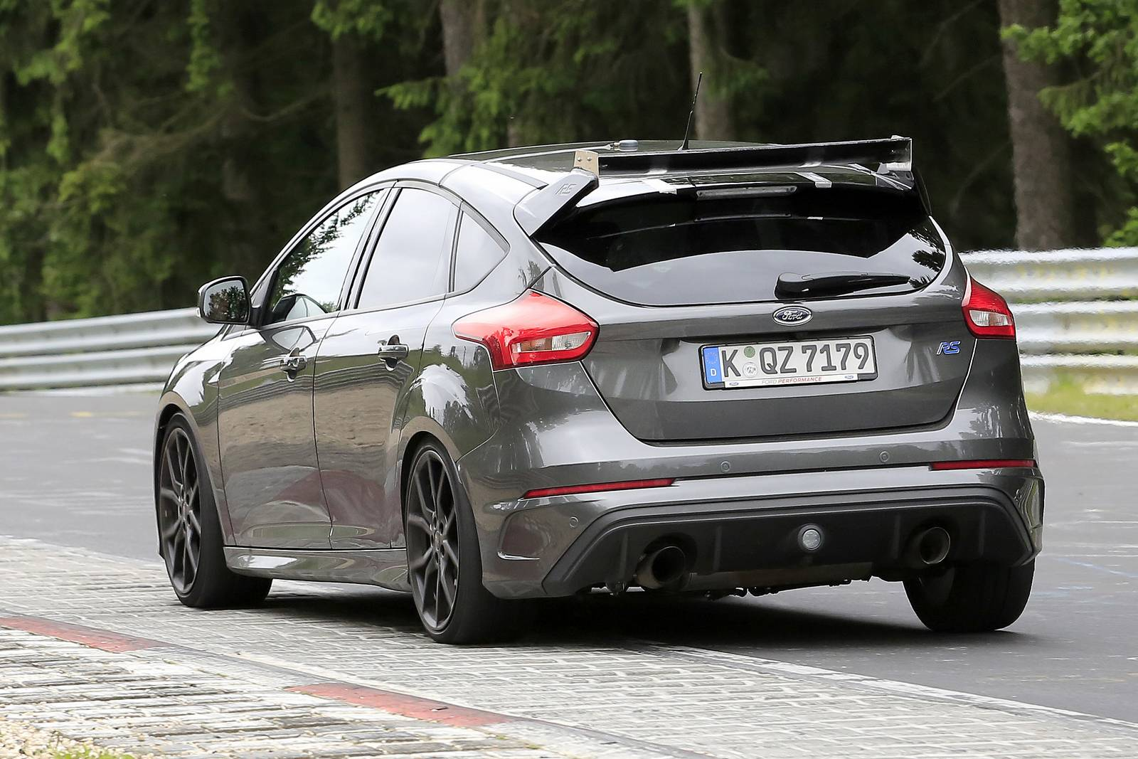 Ford Focus Rs Grey An Even More Hardcore Ford Focus Rs500 Latest Spy Shots