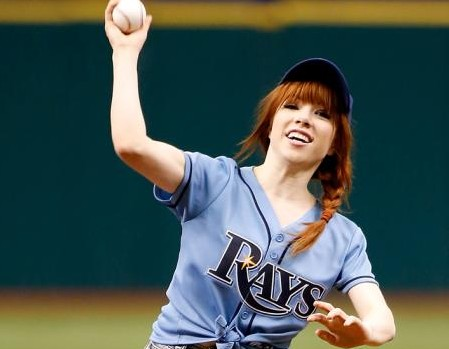 Carly Rae Jepsen holds it too long.