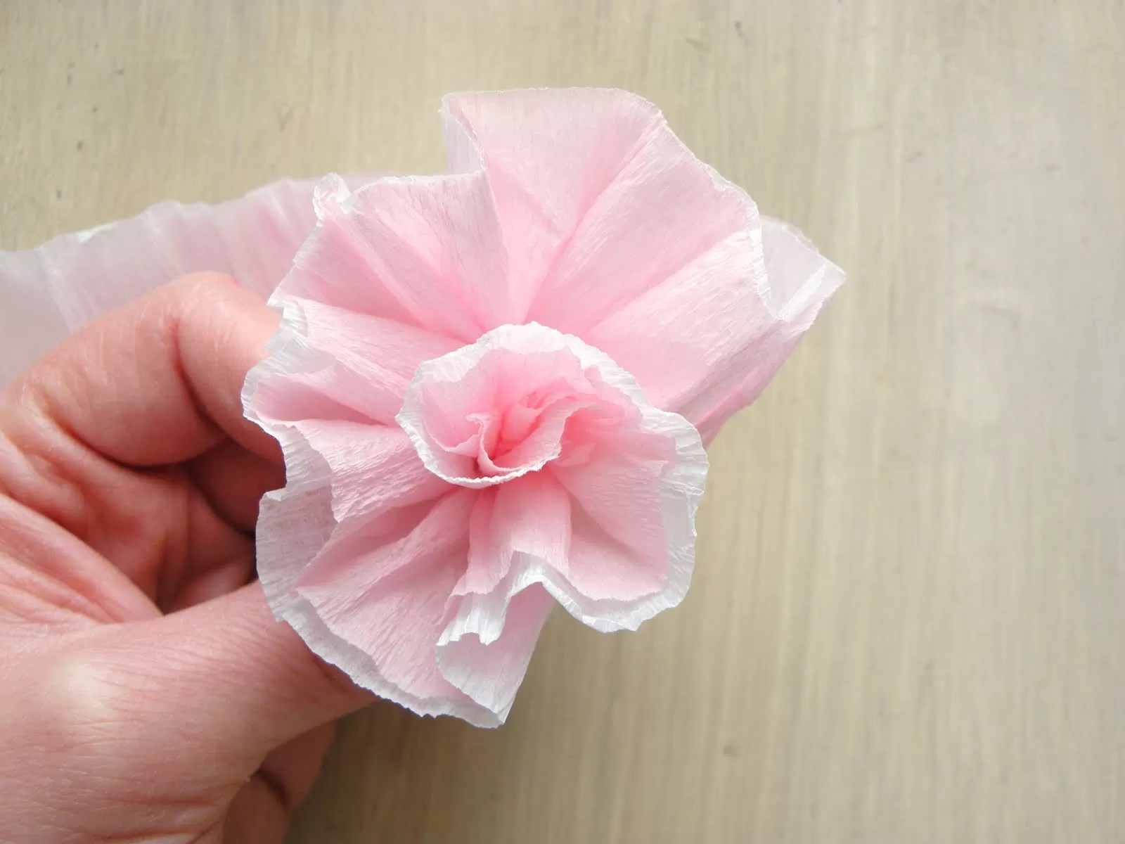 How To Make Handmade Flowers From Paper 20 Diy Crepe Paper Flowers With Tutorials Guide Patterns