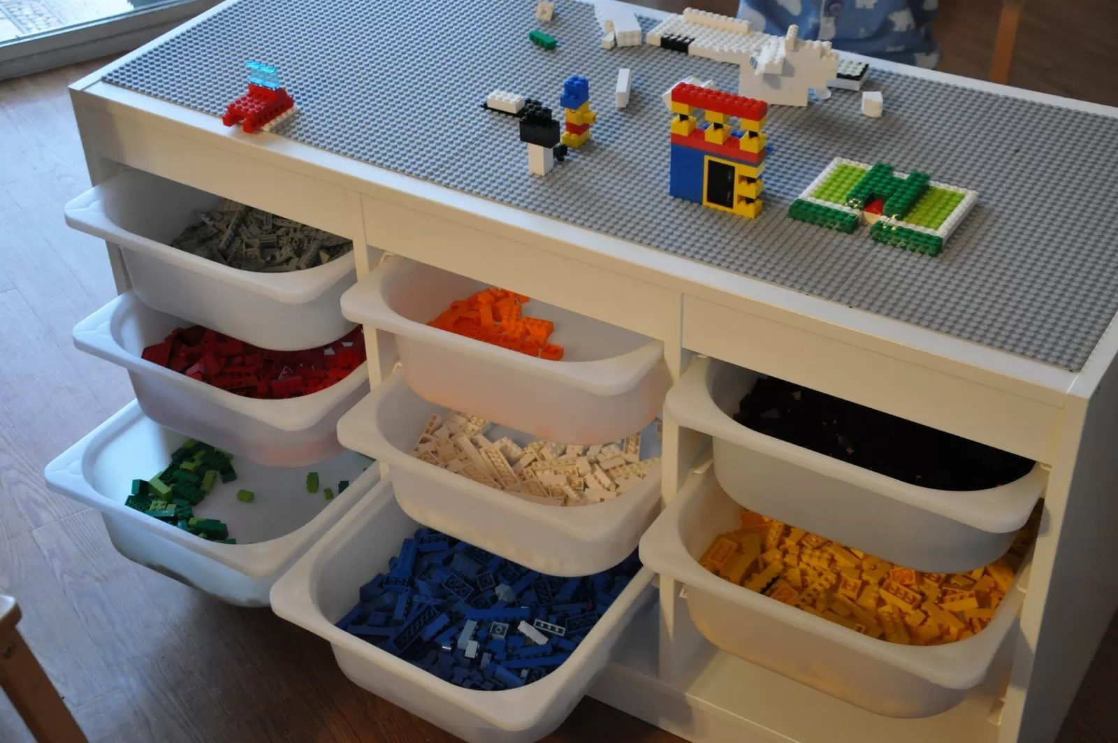 Ikea Lack Duplo 50 Diys To Build A Lego Table Guide Patterns