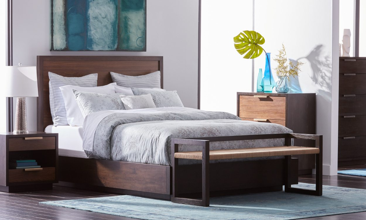 How To Fit Queen Beds In Small Spaces Overstockcom