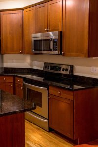 7 Steps to Refinishing Your Kitchen Cabinets