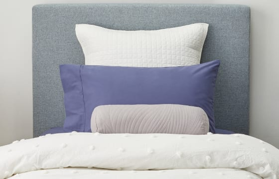 12 Ways To Arrange Pillows On A Bed Overstockcom
