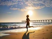 girl_running_on_beach