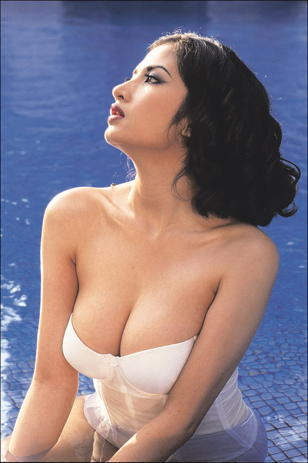 Foto Hot Dan Bugil Artis Indonesia Era 80 An Sampai Sekarang 2013 - 600 x 901 jpeg 130kB
