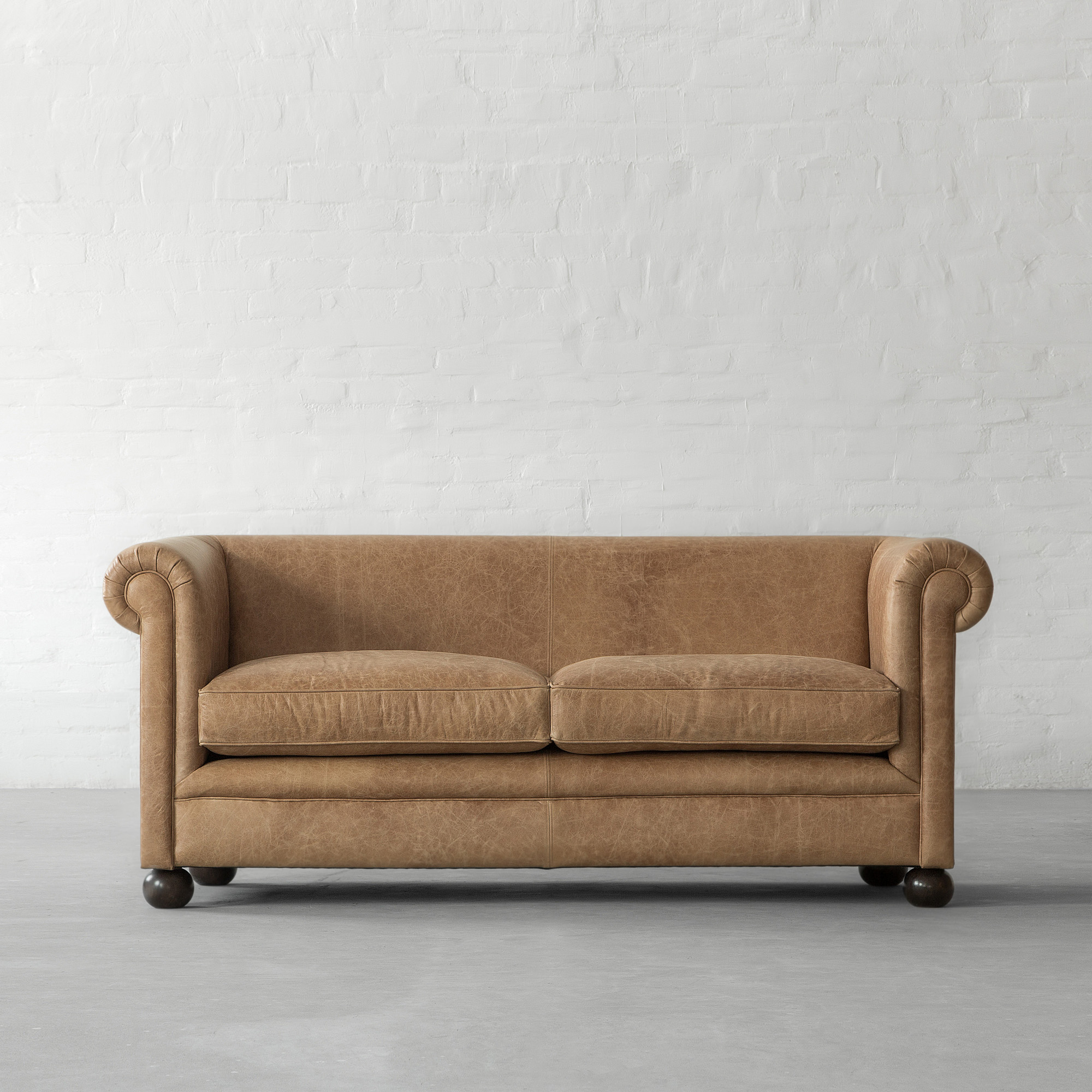 Kamin Hark Hanau Kare Chesterfield Oxford Sofa