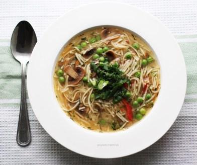 Miso sriuba su makaronais ir pievagrybiais. Receptas čia: https://goo.gl/LlcluK