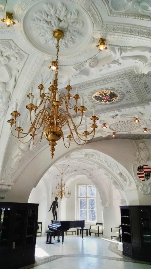 Neues Schloss, Blick in die Schlossbibliothek/ Foto: Franziska Gurk