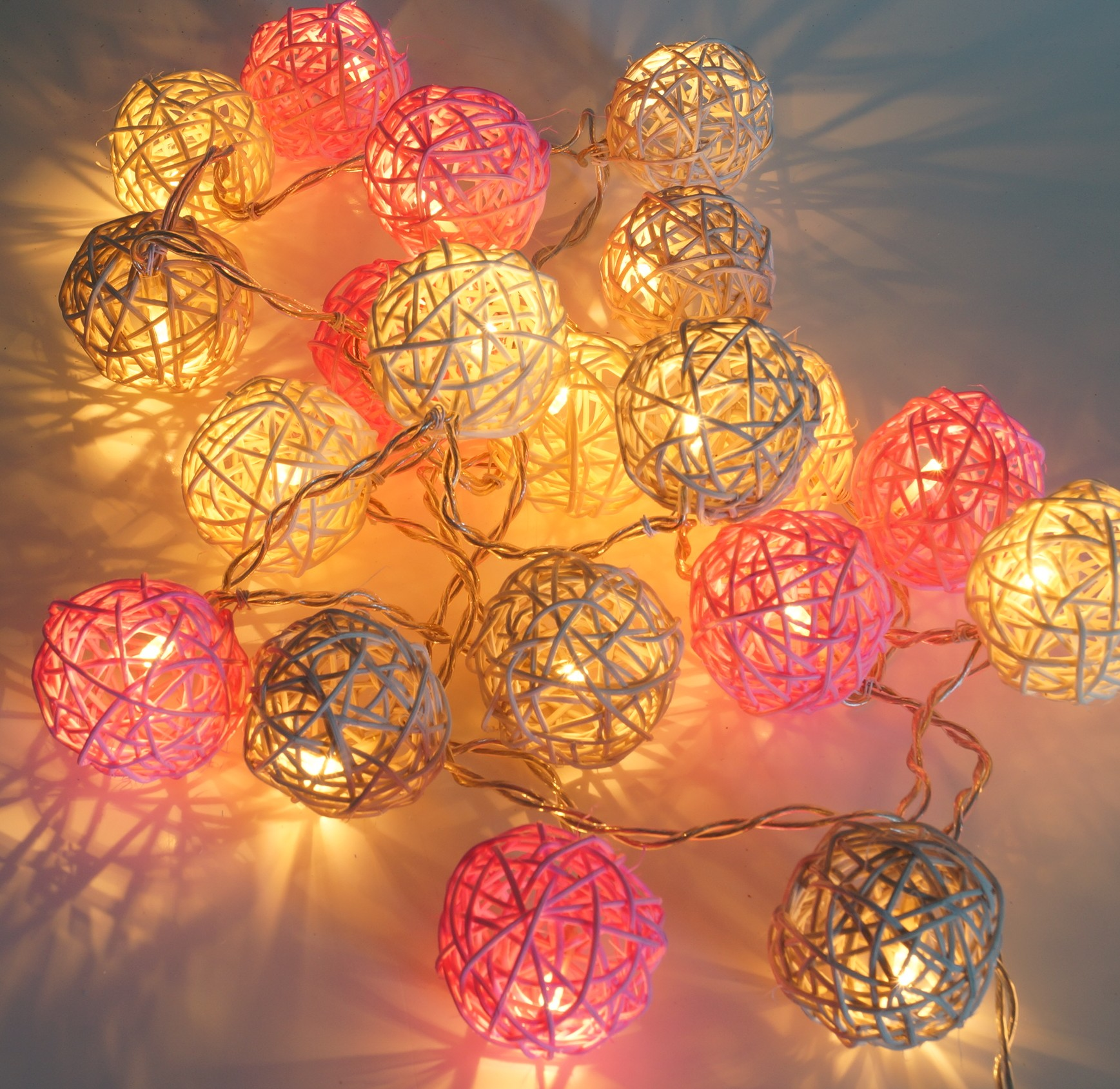 Lampionnen Met Led Rattan Ball Led Ball Lampion Chain Of Lights Pink Grey Nature