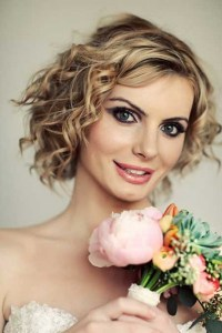 Wedding hairstyles for short curly hair