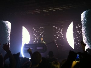 "Flux Pavilion performing ""The Scientist"""