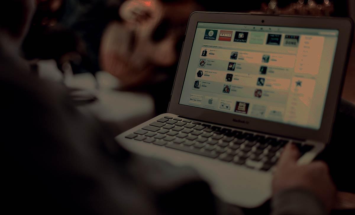 on-macbook-dark