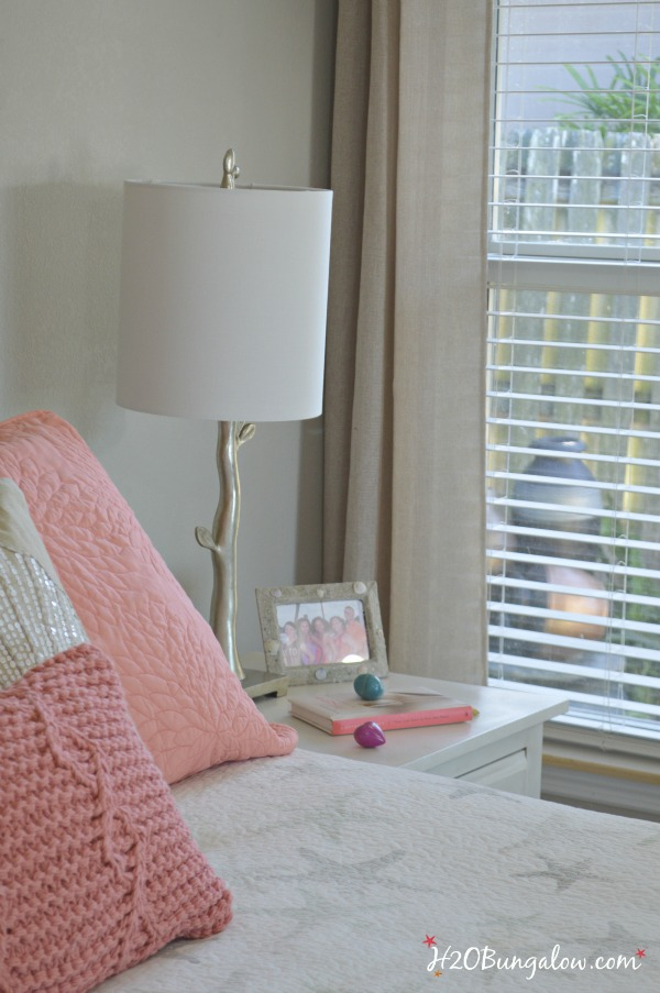 coastal bedroom decorating on a budget h2obungalow