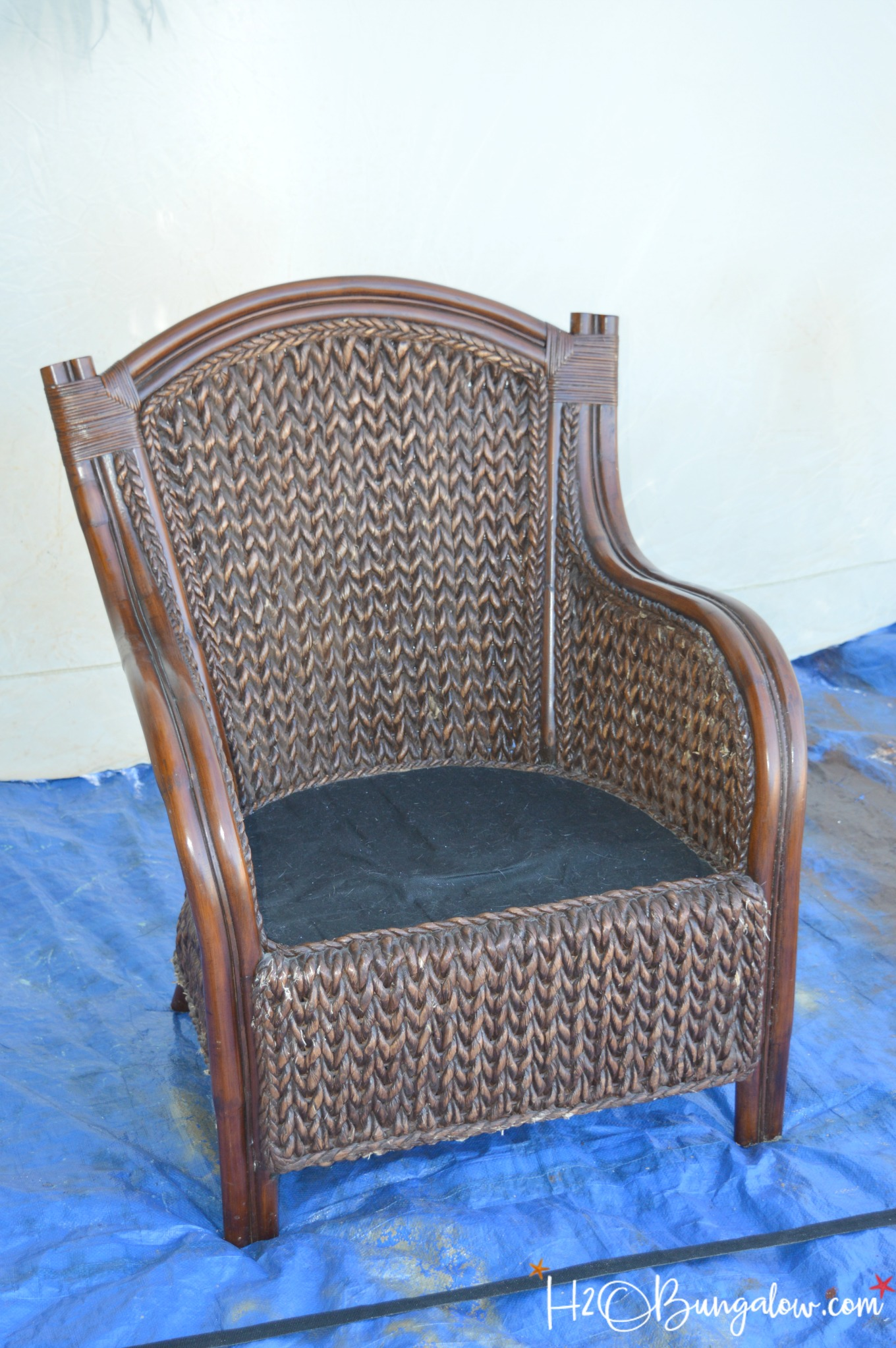 Painted Rattan Furniture How To Paint Wicker Furniture Quickly And Easily H2obungalow