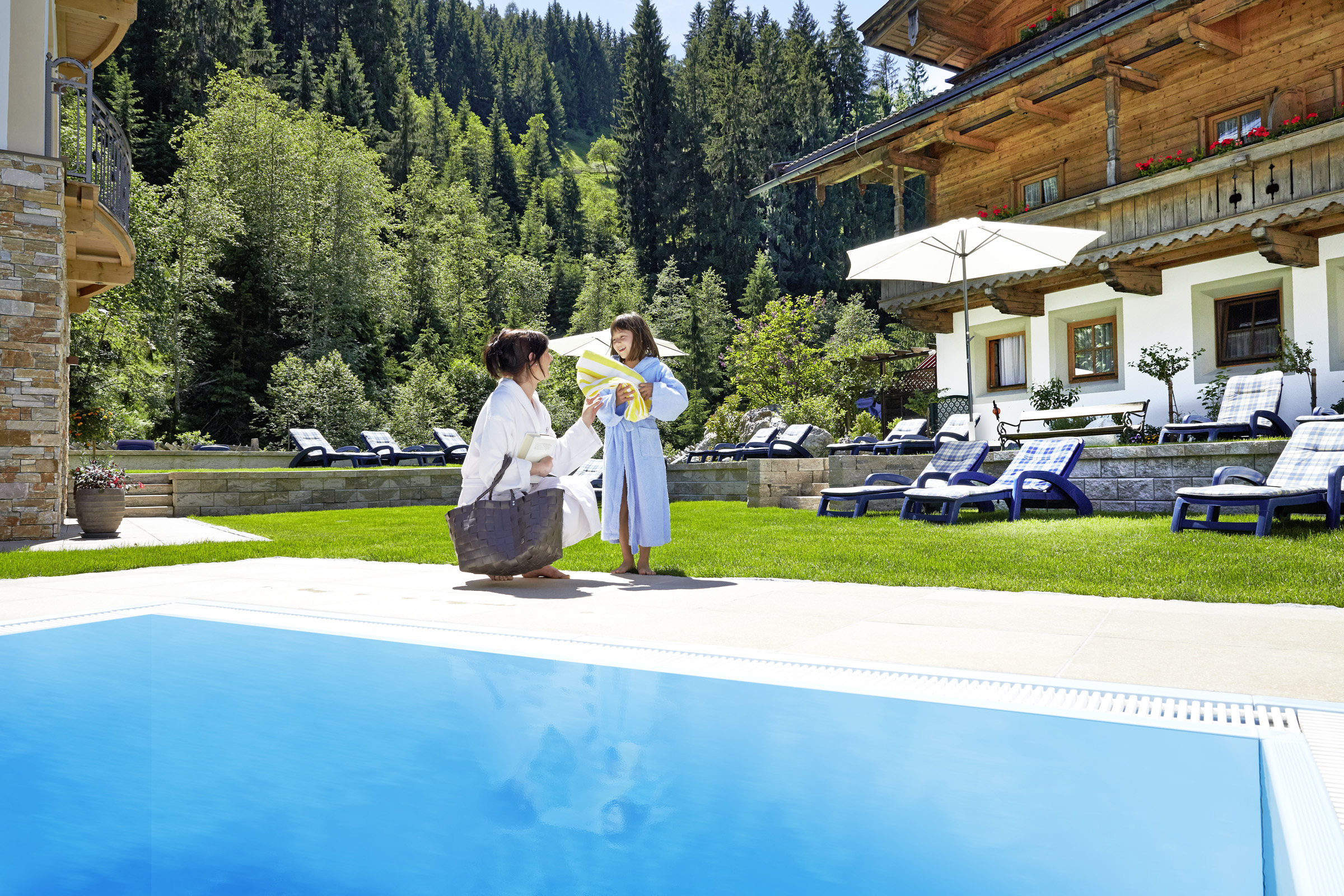 Pool Garten Winter Outdoor Pool With Spa Garden And Sunbathing Area Habachklause