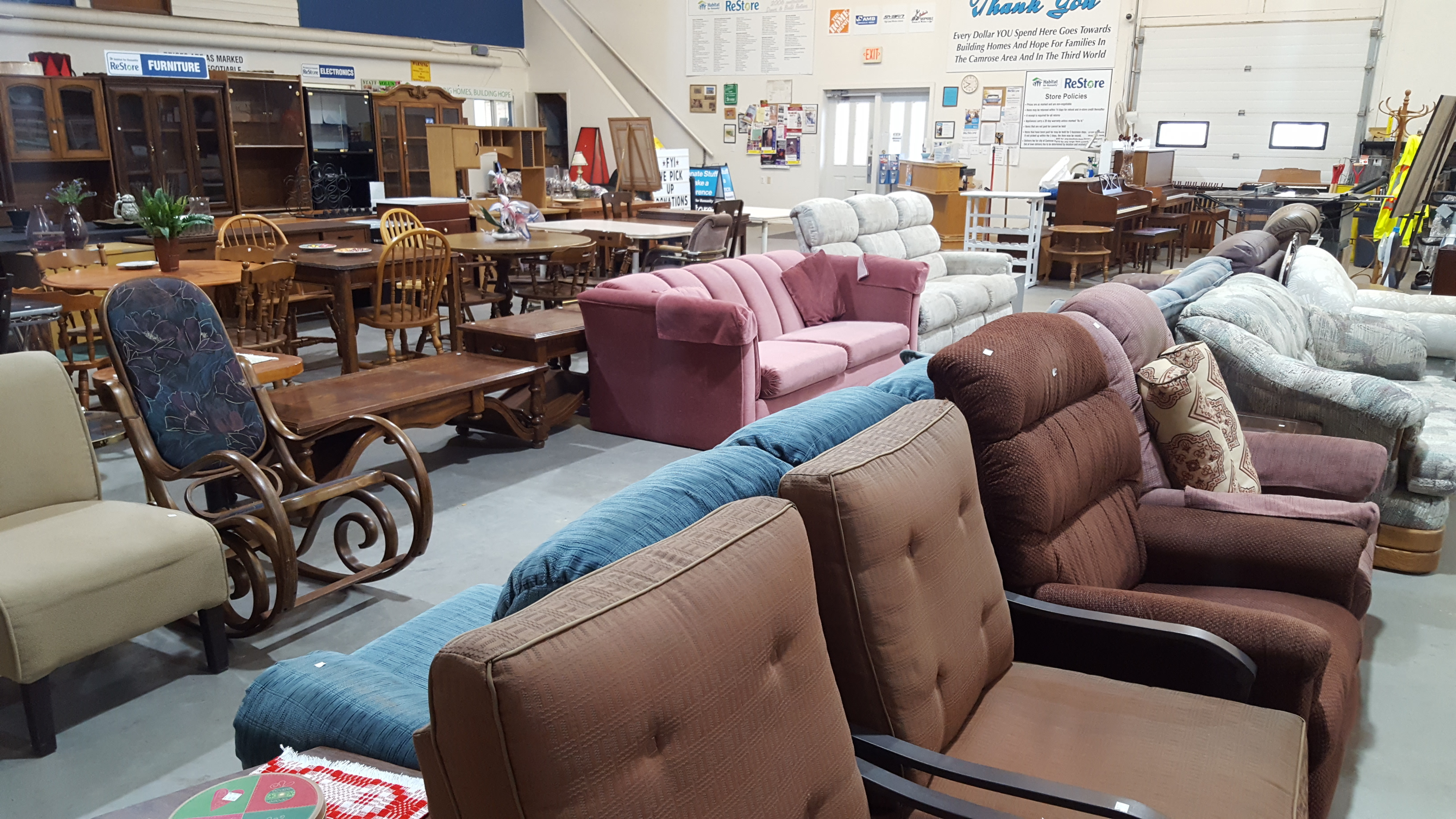 Habitat Sofa 2nd Hand Restore Habitat For Humanity Camrose