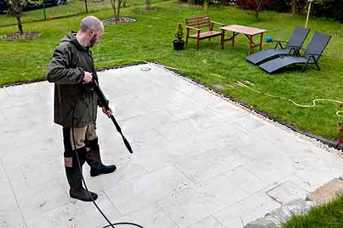 Comment nettoyer le carrelage d\u0027une terrasse ? Nos 4 solutions - Nettoyage Terrasse Carrelage Exterieur