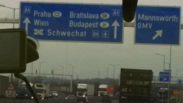 carretera-alemania-ha-vuelto-er-ist-wieder-da-hablando-en-libre