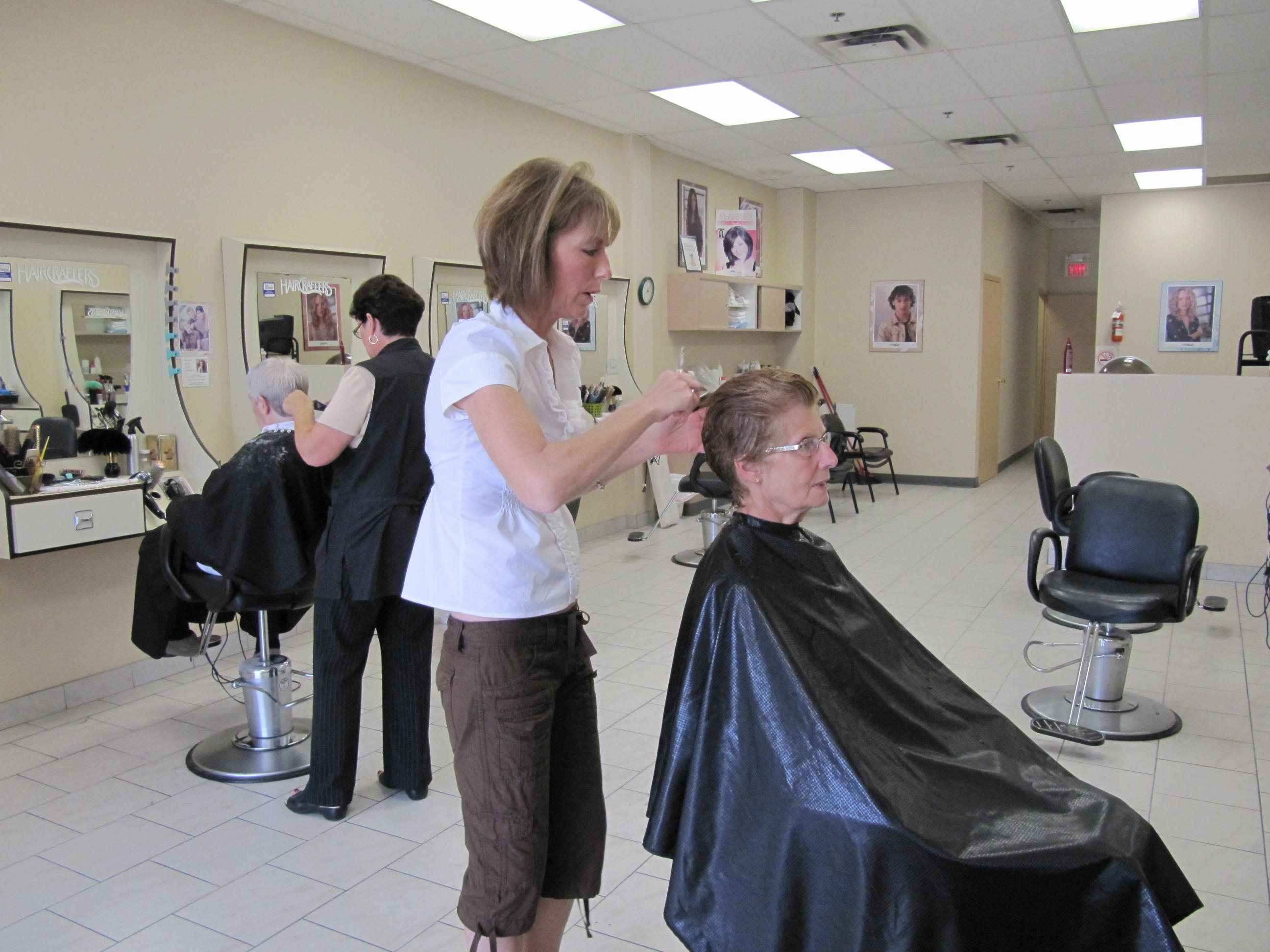 Keep Cool Salon Keeping Cool Haircrafters Style On A Budget