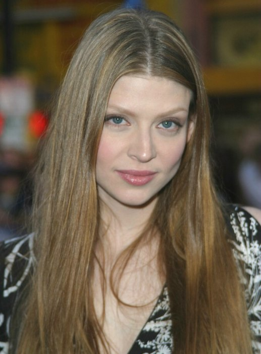 Short To Medium Hair Colors Amber Benson Long Hairstyle With A Middle Part For Thick
