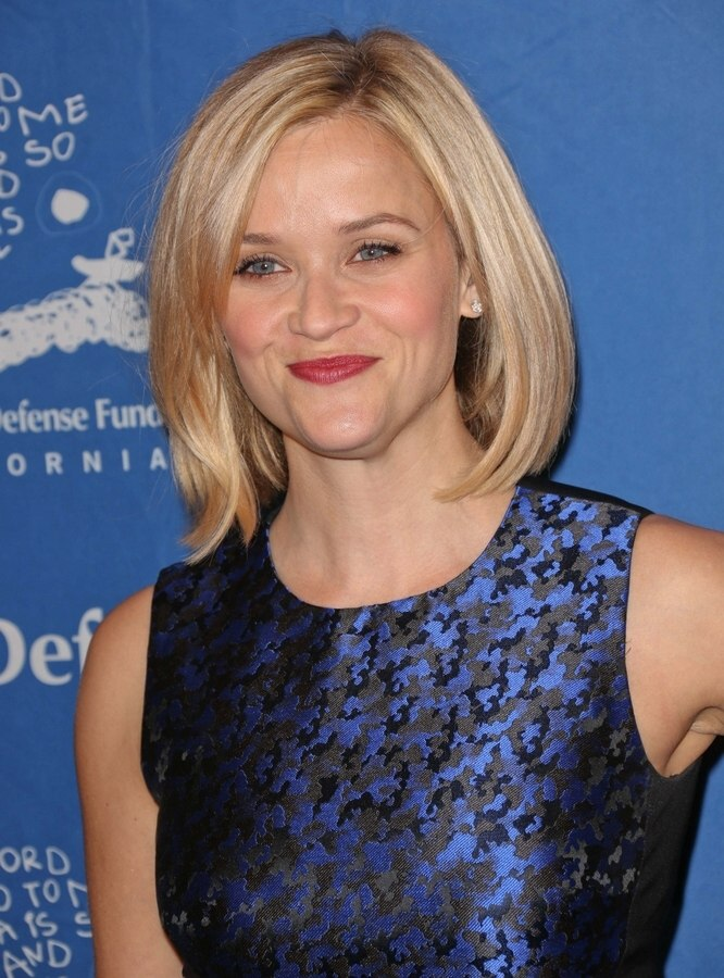 Long Blonde Bob Round Face Reese Witherspoon Blonde Hair In A Longer Bob With Side