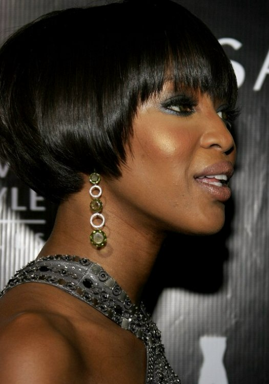 Black Hairstyles With Short Hair Naomi Campbell With Her Black Hair Cut Into A Bob