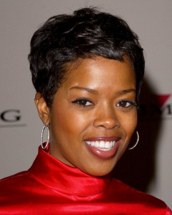 Short Pixie On Black Hair Malinda Williams Wearing Her Hair In A Shag Cut And Super