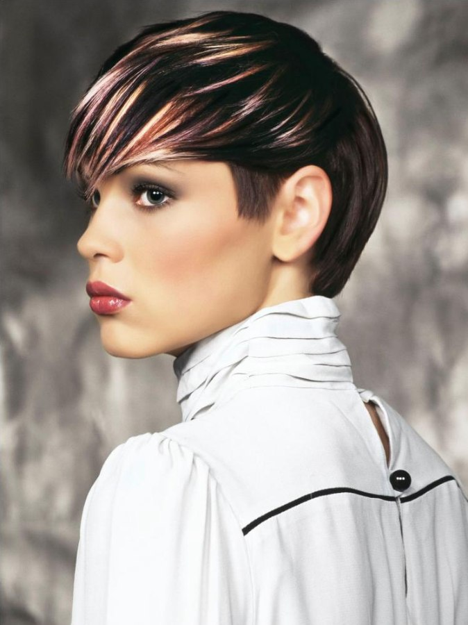 Stylish Hairstyle For Short Hair Short Hairstyle With Streaks And Contrasts In Hair Color