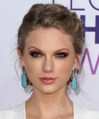 Taylor Swift Hairstyles Gallery
