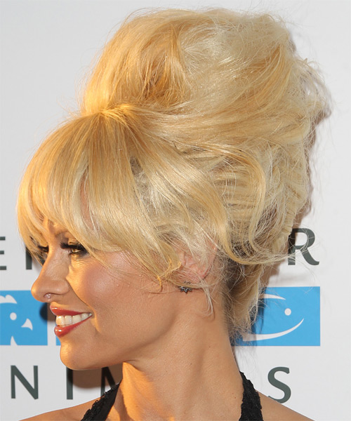 Long Blonde Bob Round Face Pamela Anderson Long Straight Honey Blonde Updo With