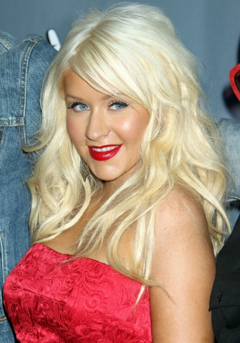 Layered Hair Female Christina Aguilera Long Blonde Wavy Hairstyle With Bangs