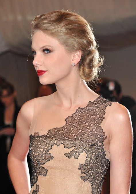 Hair Bangs Test Taylor Swift Twisted Chignon Updo Hairstyle For Wedding