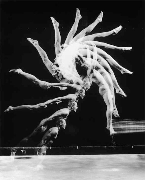 Harold Edgerton. Back Dive.