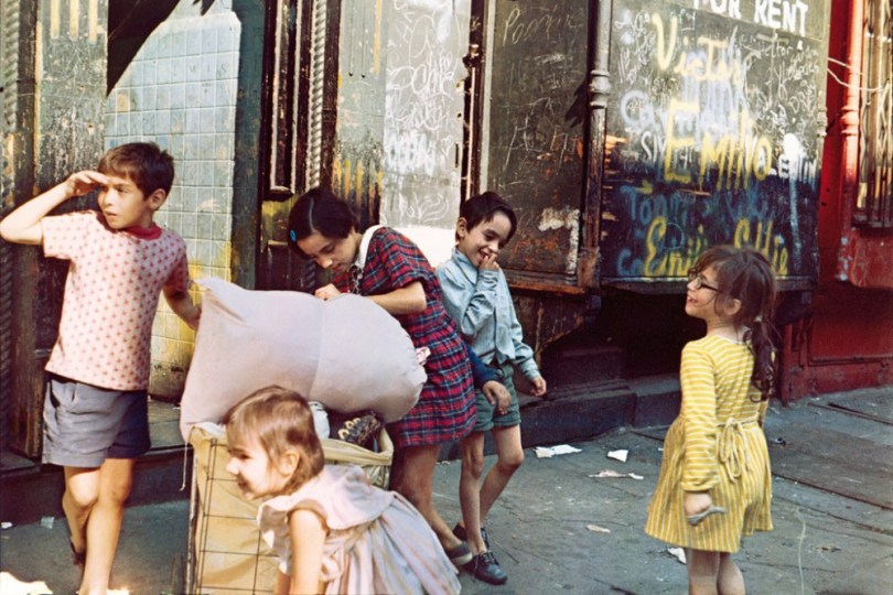Helen Levitt. New York. 1972
