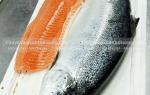 Giá cá hồi tươi phi lê nguyên con bao nhiêu 1kg ở đâu TpHCM