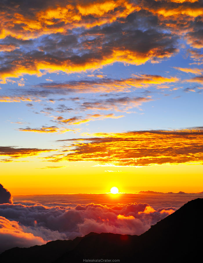 Haleakala Sunrise - Reservations, tours and how to visit the Crater