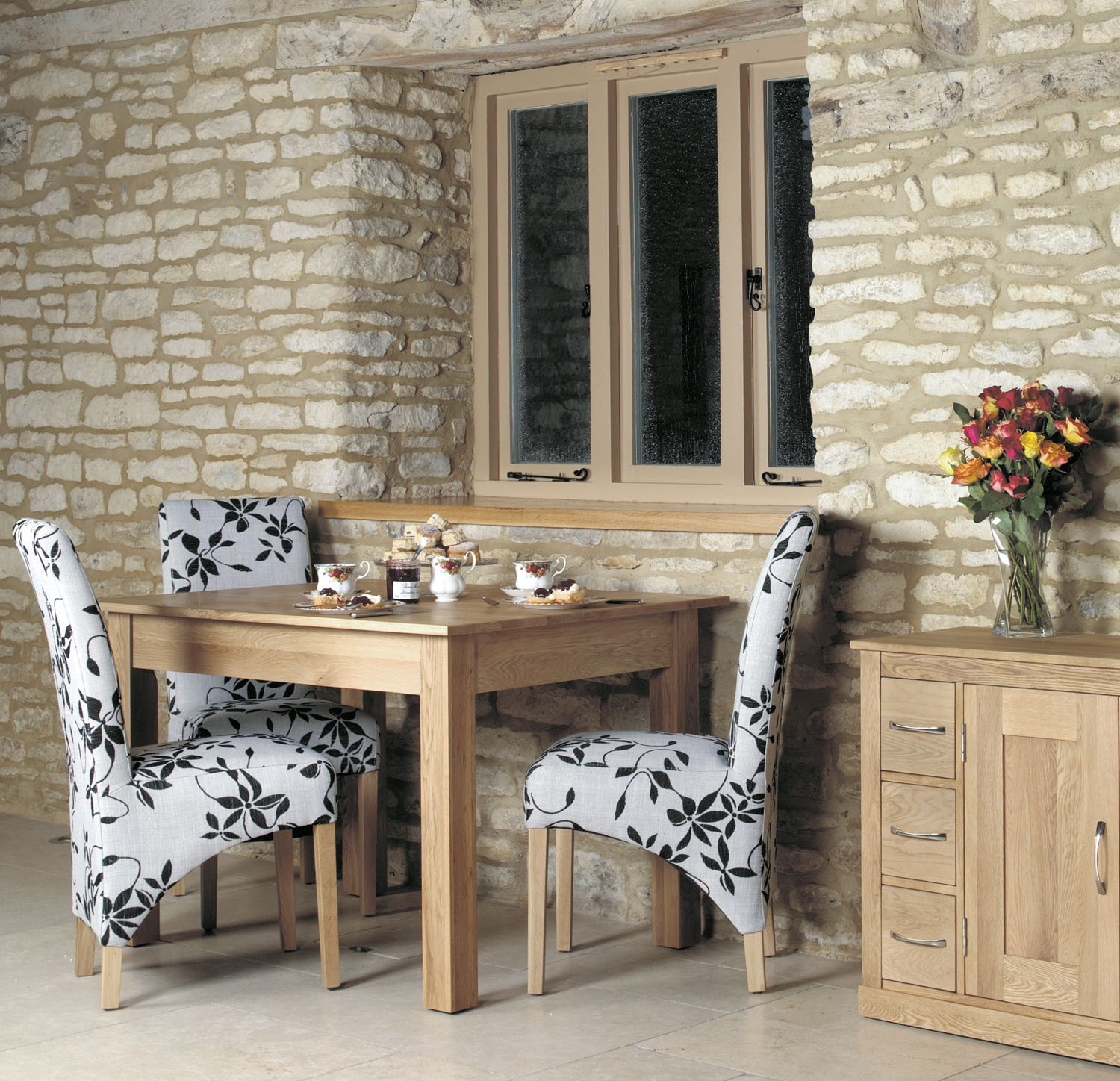 mobel oak dining table 4 seater hallowood