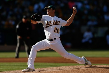 Scott Kazmir delivers a pitch during the first inning of a game against the Minnesota Twins at O.co Coliseum on July 18, 2015 (Lachlan Cunningham/Getty Images)