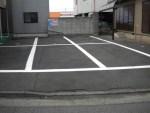 車3台分を延長して6台分に!南側合わせて8台分の駐車場ライン塗装