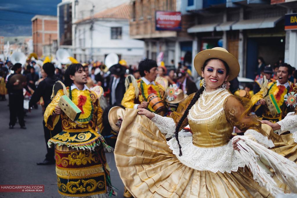 girl in golden dress sucre bolivia