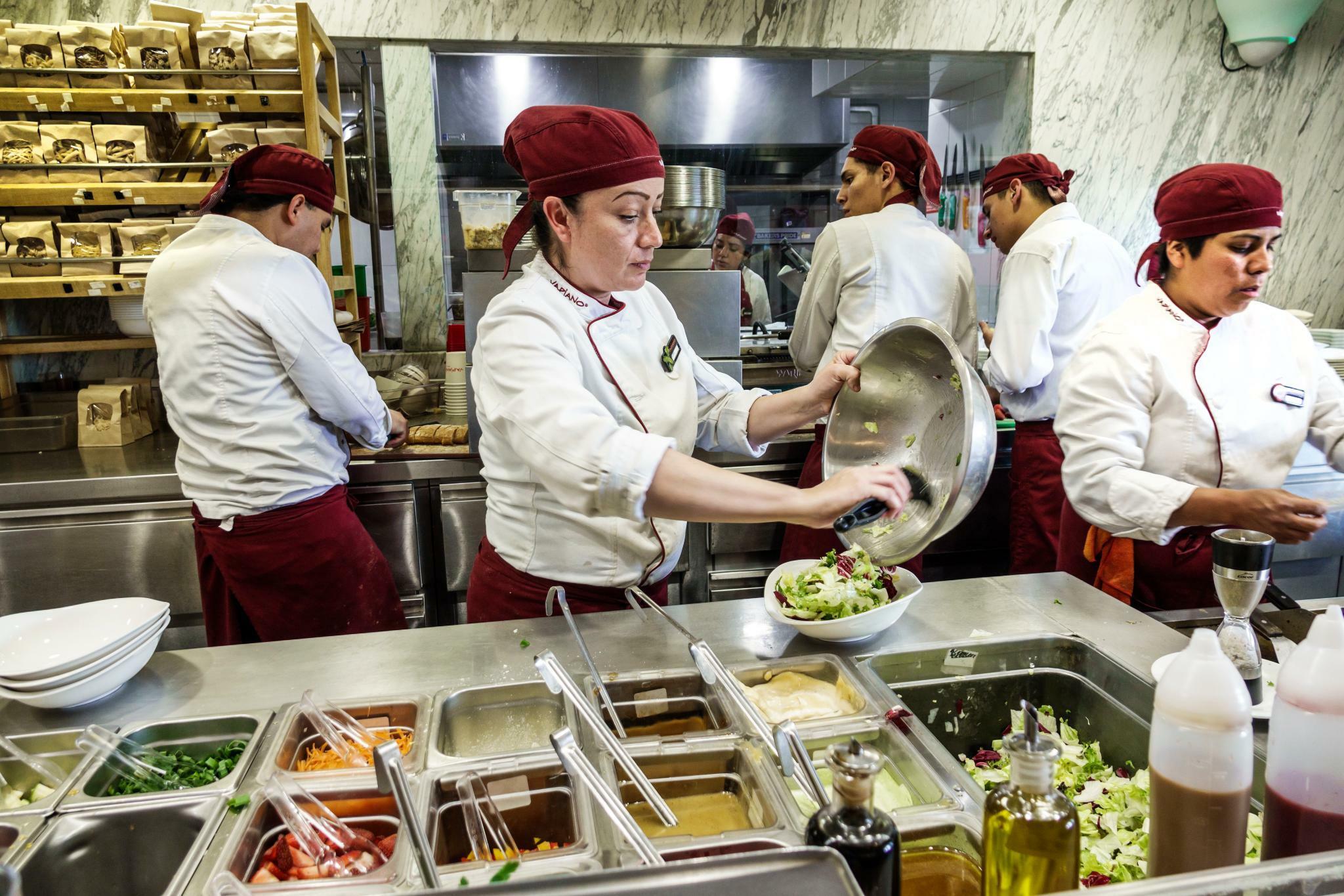 Vapiano Küche Öffnungszeiten | Vapiano Mause In Der Kuche Mause In Der Kuche Was Tun