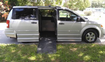 2008 Dodge Grand Caravan SE Side Entry Wheelchair Van