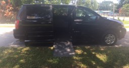 "2008 Dodge Grand Caravan Side Entry ""PENDING SALE"""