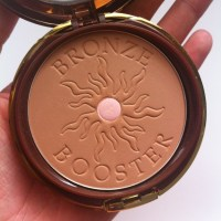 PHYSICIANS FORMULA'S BRONZE BOOSTER GLOW-BOOSTING BB BRONZER REVIEW