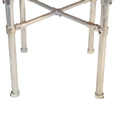 Cross-brace scaffold legs