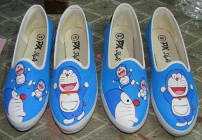 Sepatu Lukis Doraemon Pelauts