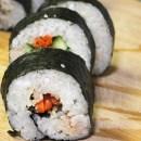 Món xôi cuộn rong biển dùng làm món khai vị hay đi dã ngoại rất tiện và ngon miệng