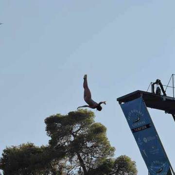 CLIFF-DIVING55